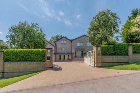 Ashley Road, Charlton Kings, Cheltenham, Gloucestershire, GL52. 6 bedroom detached house for sale