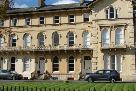 Lypiatt Terrace, Cheltenham, Gloucestershire, GL50. 6 bedroom terraced house for sale