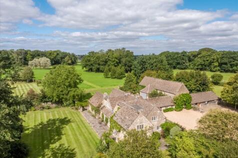 Westonbirt, Tetbury, Gloucestershire, GL8. 4 bedroom farm house for sale