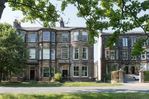 York Place, Harrogate, North Yorkshire, HG1. 6 bedroom semi-detached house