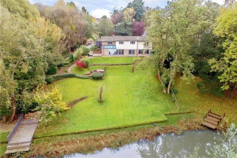 Valley Drive, Yarm, TS15. 4 bedroom detached house for sale