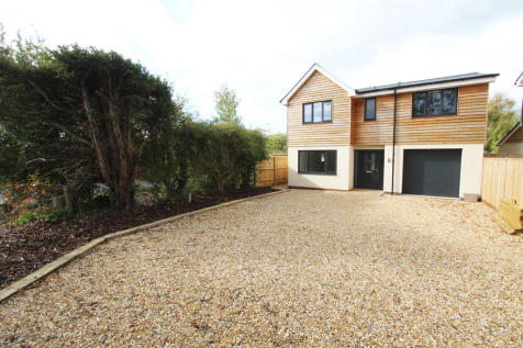 Upper Crabbick Lane, Denmead. Detached house for sale