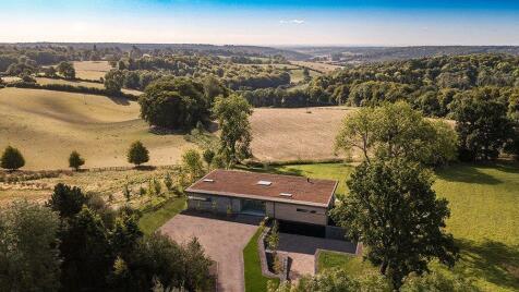Northend, Henley-on-Thames, Buckinghamshire, RG9. 5 bedroom detached house for sale