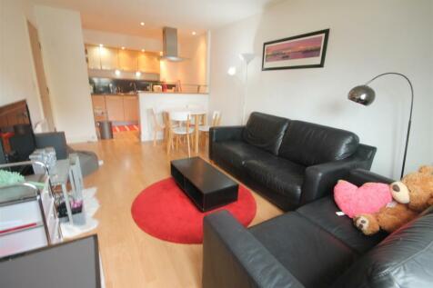 City Gate, Bath Lane, Newcastle Upon Tyne. 2 bedroom apartment