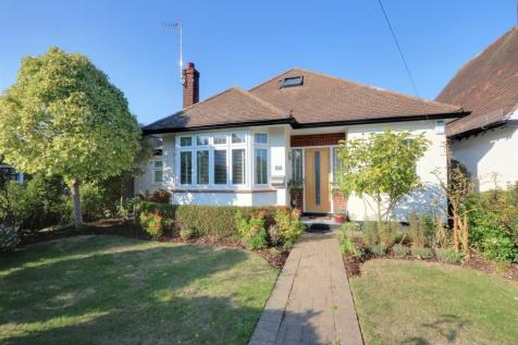 Winsford Gardens, Westcliff-on-Sea. 4 bedroom detached bungalow for sale