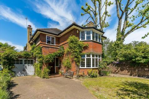 St. Margarets Drive, Twickenham, TW1. 5 bedroom detached house
