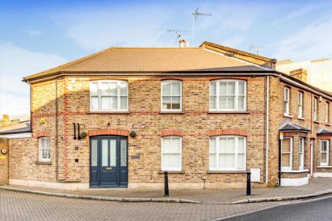 Paradise Road, Richmond, TW9. 6 bedroom town house