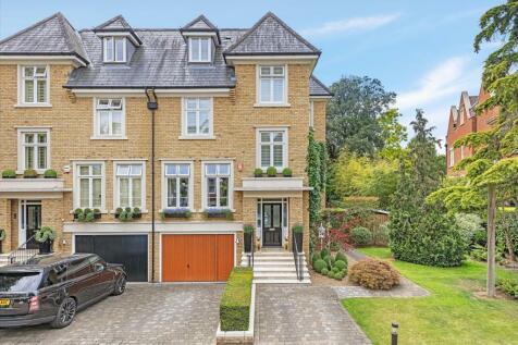 Martineau Drive, Richmond Lock, Twickenham, TW1. Semi-detached house