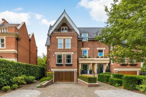 Martineau Drive, Twickenham, TW1. 6 bedroom semi-detached house