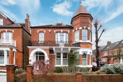 Priory Road, Richmond, TW9. 5 bedroom detached house
