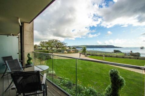 Azure, Cliff Road, Plymouth. 2 bedroom apartment