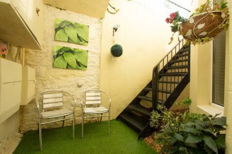 Northumberland Terrace, West Hoe. 2 bedroom apartment