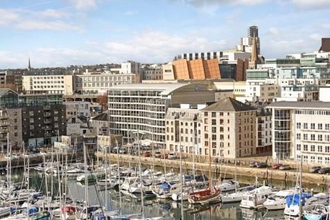 Discovery Wharf, Sutton Harbour. 2 bedroom apartment