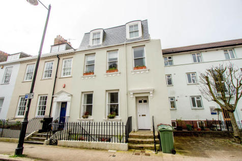 Durnford Street, Stonehouse, Plymouth. 2 bedroom apartment