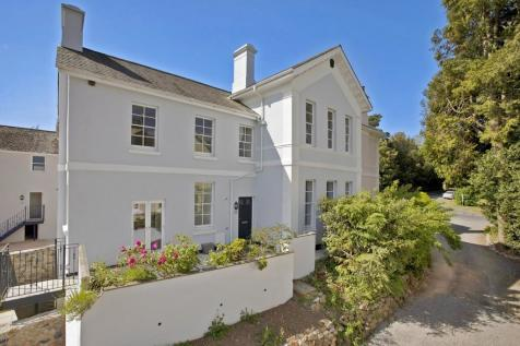 Oak House, Park View, Forde Park, Newton Abbot. 4 bedroom end of terrace house