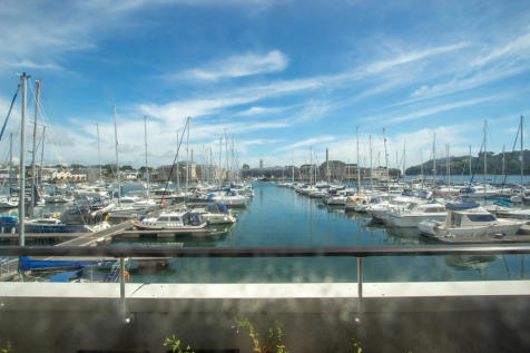 Ocean Court, Richmond Walk, Plymouth. 2 bedroom apartment