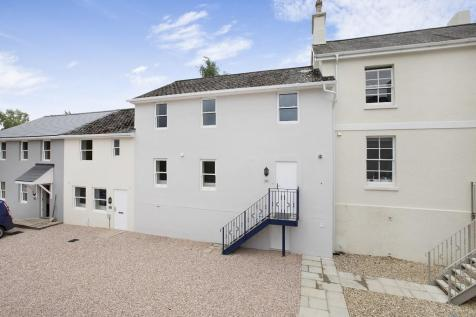 Cedar House, Park View, Forde Park, Newton Abbot. 4 bedroom mews house