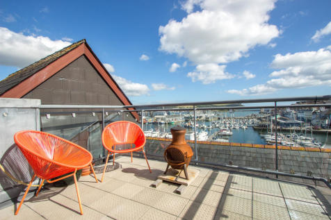 Dolphin House, Sutton Harbour. 3 bedroom penthouse
