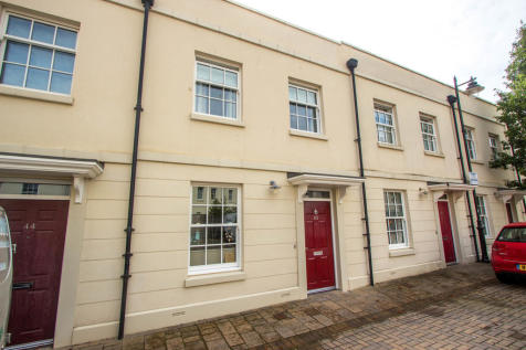 Falcon Road, Mountwise , Plymouth. 3 bedroom terraced house