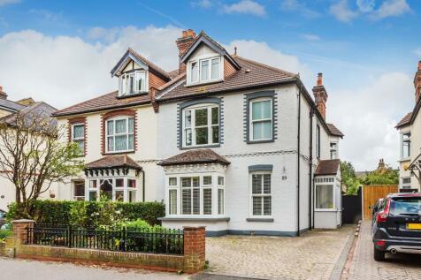 St James Road, Sutton, Surrey, SM1. 6 bedroom semi-detached house