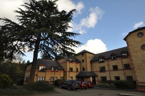 Brooklands Court, Hatfield Road, St Albans. 2 bedroom flat