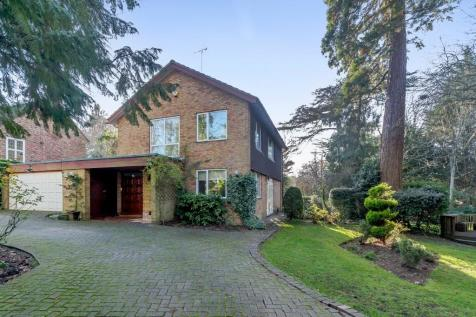 Old Hall Drive, Pinner. 4 bedroom detached house