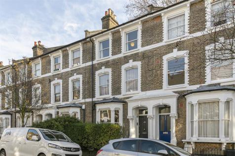 Reighton Road, London, E5. 6 bedroom terraced house for sale