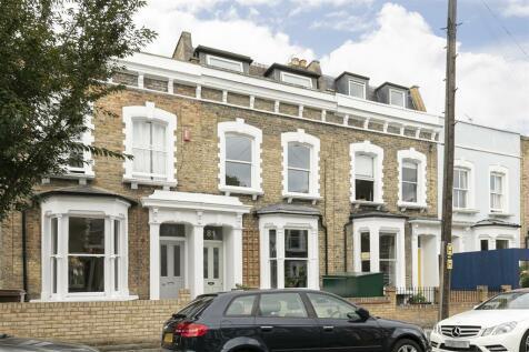 Winston Road, London, N16. 3 bedroom terraced house
