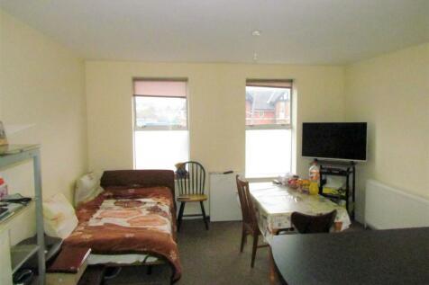 High Road, Chadwell Heath, Romford. 1 bedroom flat