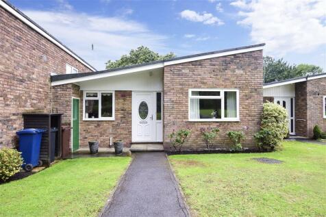 Park Drive, Cranleigh, Surrey. 2 bedroom terraced bungalow