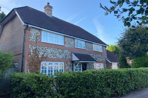 McIver Close, Felbridge, West Sussex. 4 bedroom detached house