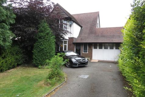 The Crescent, Walsall. 3 bedroom detached house