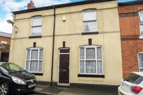 Arundel Street, Walsall. 3 bedroom end of terrace house