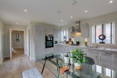 Bunford Heights, West Coker Road, Yeovil. 4 bedroom semi-detached house