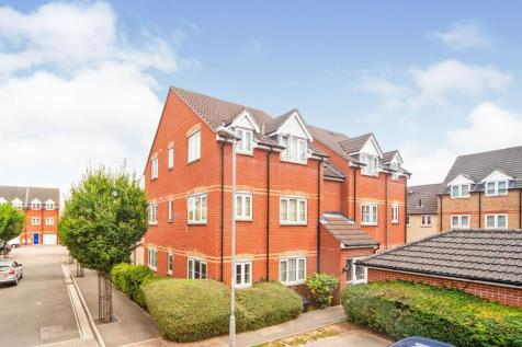 Pollards Way, Taunton. 2 bedroom ground floor flat