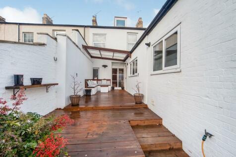 Portland Street, Taunton. 3 bedroom terraced house for sale