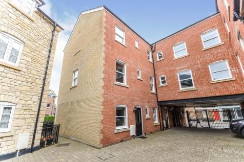 High East Street, DORCHESTER. 3 bedroom end of terrace house for sale