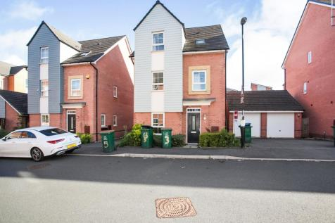 Canal View, Coventry. 6 bedroom detached house for sale