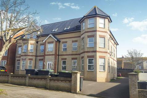 Grosvenor Road, Weymouth. 24 bedroom house