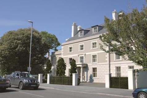 Dorchester Road, Weymouth. 2 bedroom apartment