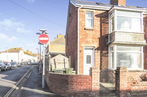 Wardcliffe Road, Weymouth. 3 bedroom end of terrace house