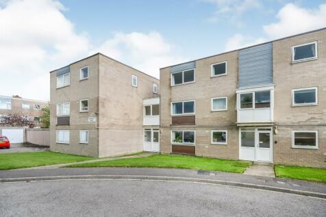 Waverley Road, Weymouth. 2 bedroom apartment