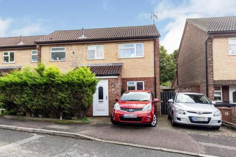 St. Albans Drive, Great Ashby, Stevenage. 3 bedroom semi-detached house for sale