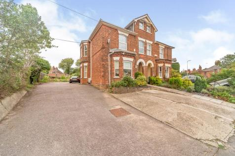 Julians Road, Old Town, STEVENAGE. 4 bedroom semi-detached house for sale