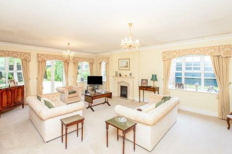 Oundle Avenue, BUSHEY. 4 bedroom detached bungalow for sale
