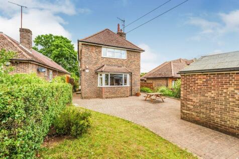 Rabies Heath Road, Bletchingley, Redhill. 4 bedroom detached house