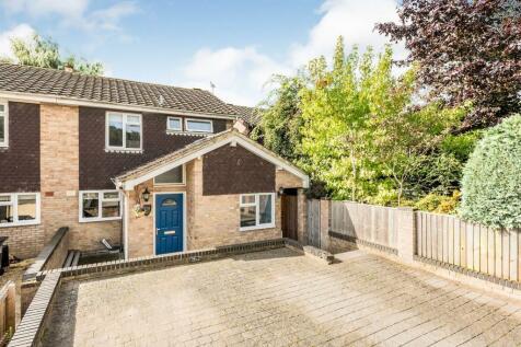 Larch Close, Southmoor, ABINGDON. 4 bedroom semi-detached house