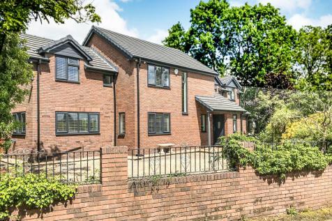 Moor Lane, Hawarden, Deeside. 4 bedroom detached house