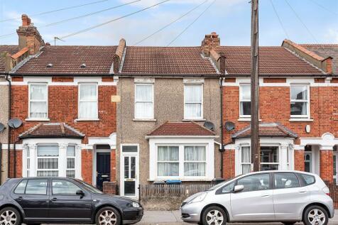 Cedar Road, Croydon. 3 bedroom terraced house