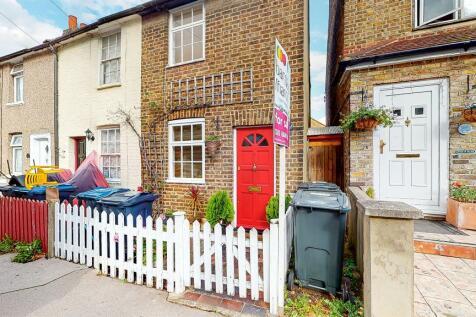 Gloucester Road, CROYDON. 2 bedroom end of terrace house for sale